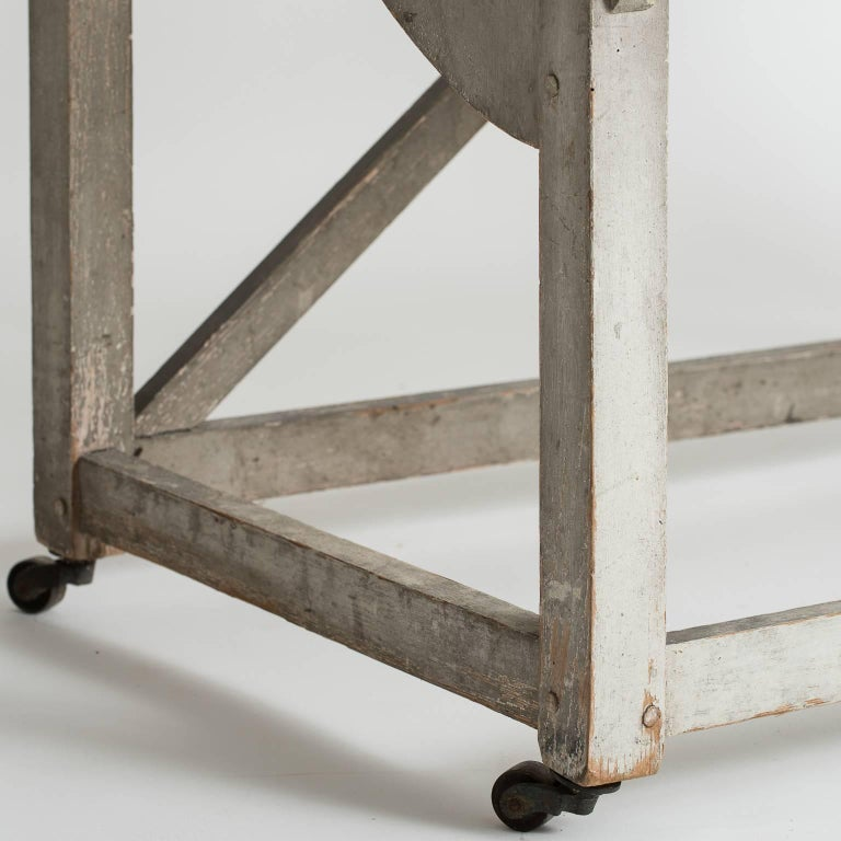 Swedish Grey Painted Three-Tier Plant Stand, circa 1850 For Sale 3