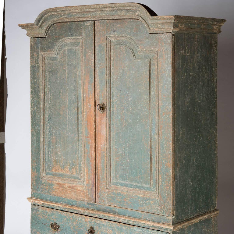 Swedish Rococo Period Linen Press or Cupboard with Two Drawers, circa 1760 For Sale 3