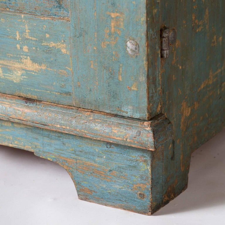 Swedish Blue Original Painted Cupboard, circa 1858 For Sale 5