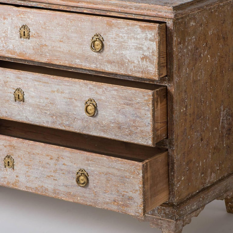 Swedish Late Gustavian Period Three-Drawer Chest, circa 1825 For Sale 2