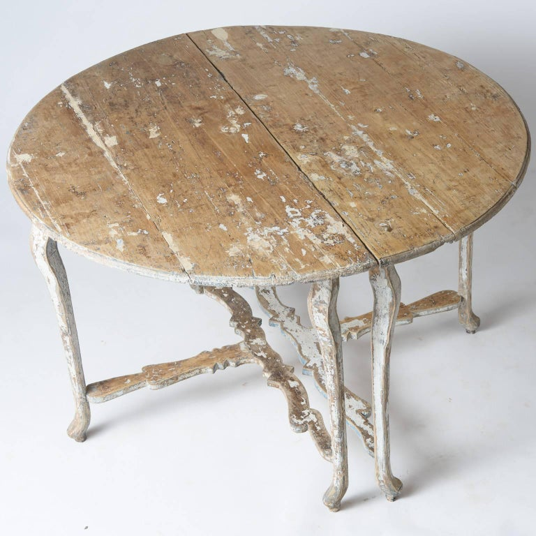 Pair of Late 18th Century Italian Demilune Tables For Sale 1