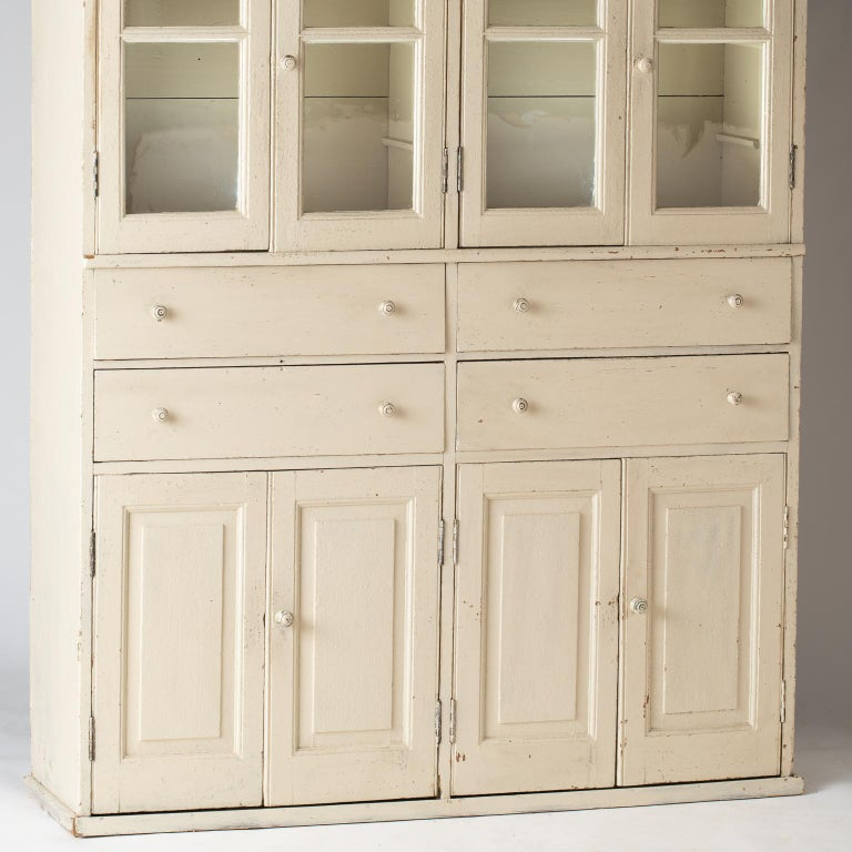 French Late 19th Century Cupboard with Glass Doors, circa 1890 For Sale 7
