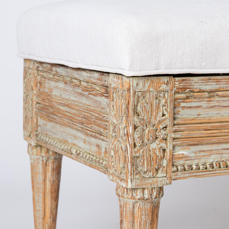 Gustavian Period Lift-Top Bench from Östergötland, Sweden, circa 1780 In Excellent Condition For Sale In New Preston, CT