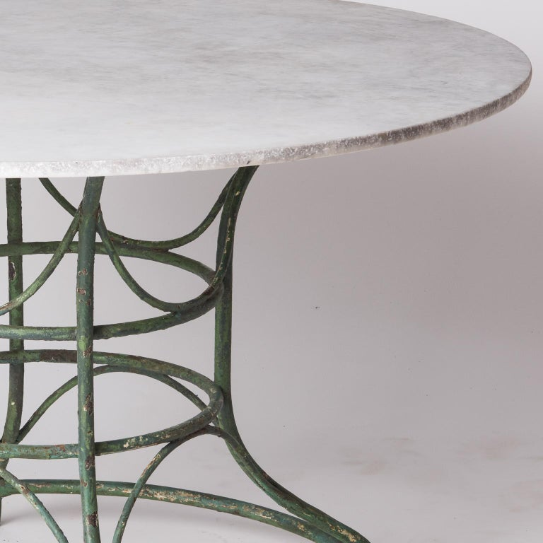 French Wrought Iron Circular Table with White Marble Top, circa 1900 For Sale 3