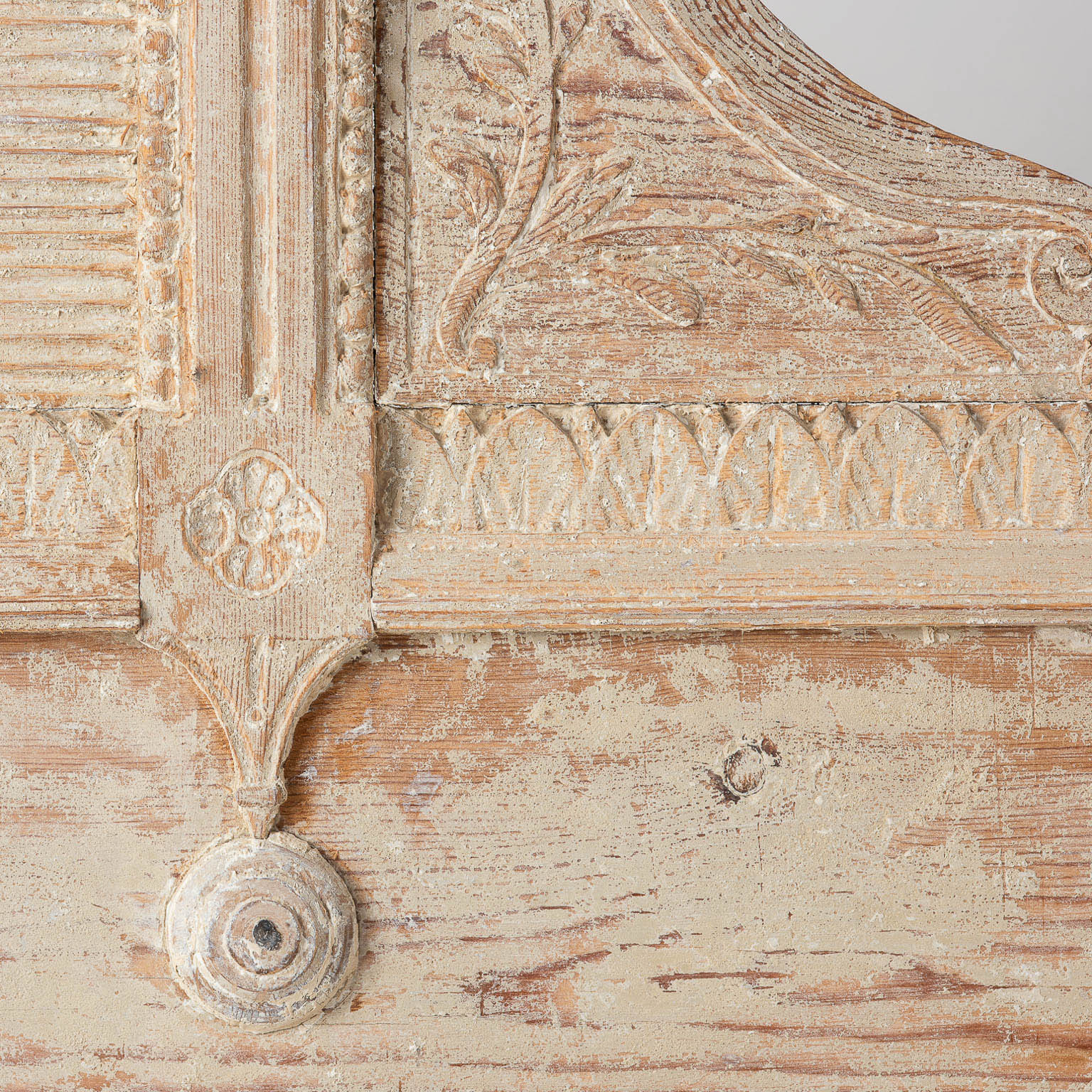 Surprising Swedish Gustavian Period Bench In Original Paint With Elaborate Bow Circa 1790 Bralicious Painted Fabric Chair Ideas Braliciousco