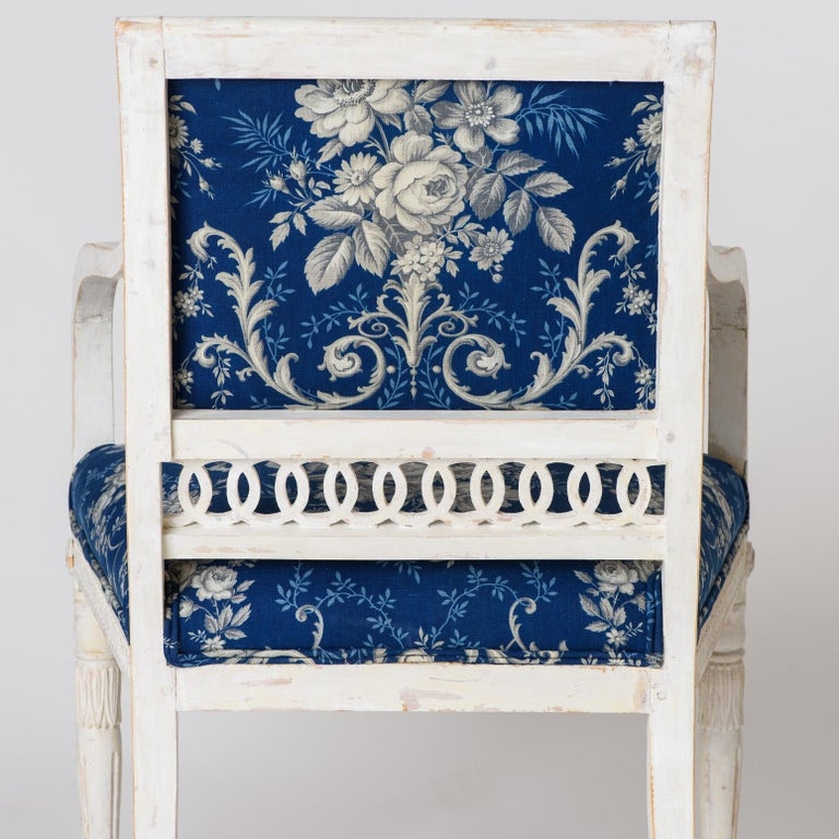 Pair of Swedish Late Gustavian Armchairs with Old White Paint, circa 1820 In Good Condition For Sale In New Preston, CT