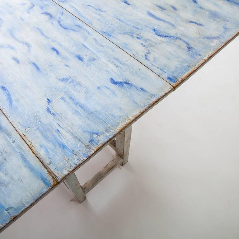 Swedish Blue and White Original Painted Drop-Leaf Table, circa 1820 In Excellent Condition For Sale In New Preston, CT