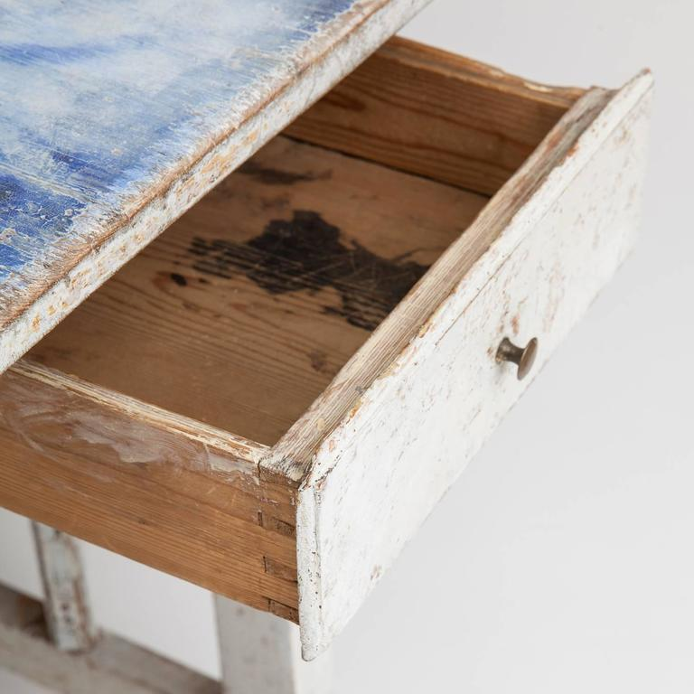 Swedish Blue and White Original Painted Drop-Leaf Table, circa 1820 For Sale 2