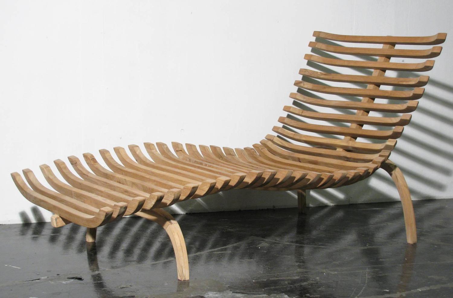 Sculptural Teak Chaise Lounge For Sale at 1stdibs