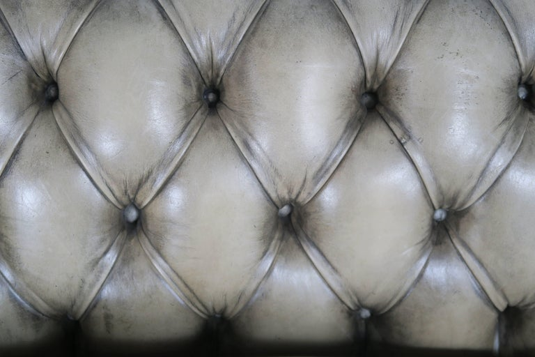 English Leather Tufted Chesterfield Sofa For Sale 2
