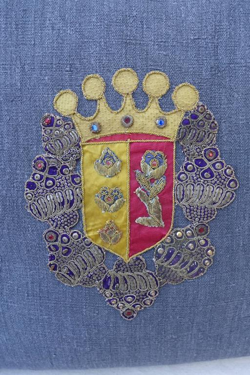 European Pair of 19th Century Coat of Arm Pillows For Sale