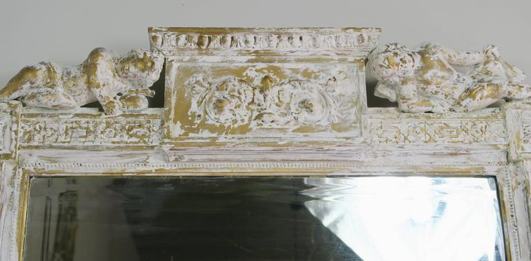 Italian Painted Neoclassical Style Mirror with Cherubs In Distressed Condition For Sale In Los Angeles, CA