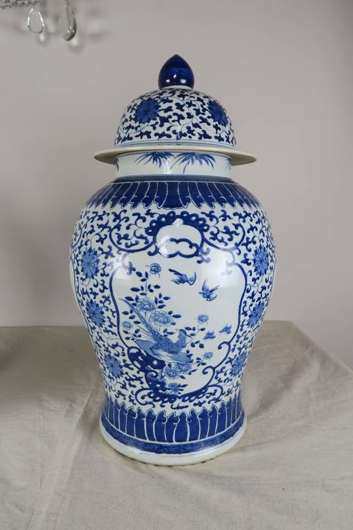 Pair Of Blue And White Chinese Ginger Jars At 1stdibs