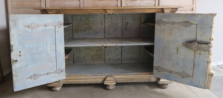 18th Century Italian Bleached Walnut Credenza For Sale 1