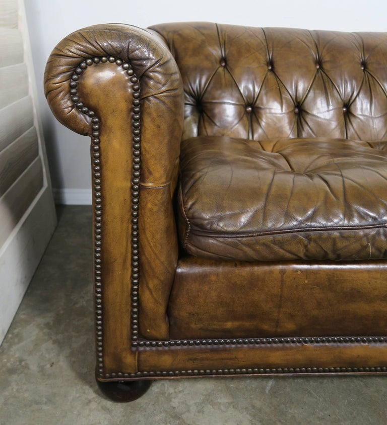 English tufted leather chesterfield style sofa 1930s at for Decor jewelry chesterfield