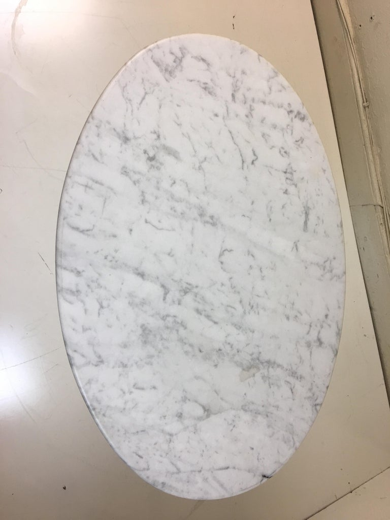 American Eero Saarinen for Knoll Marble Oval Side Tables For Sale