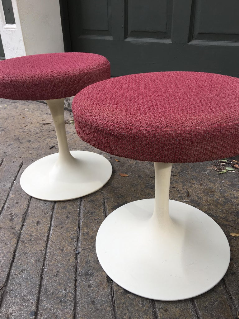 Mid-20th Century Eero Saarinen for Knoll Swivel Tulip Stools For Sale