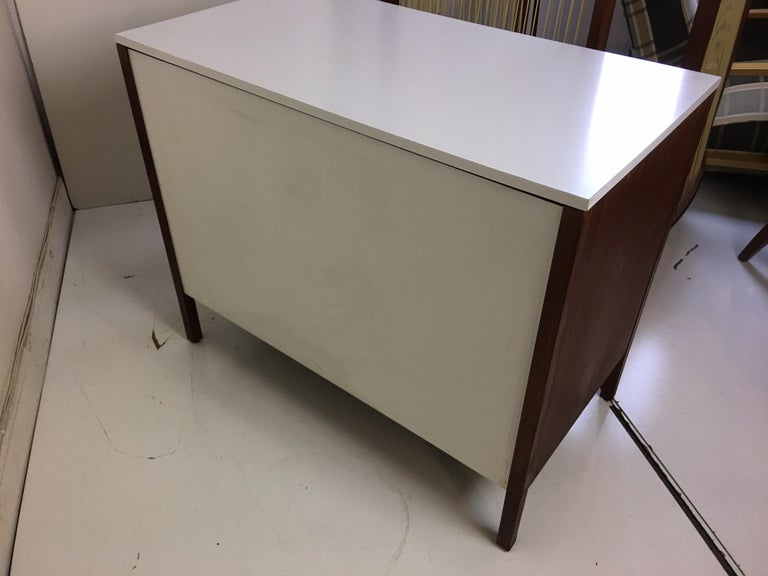Florence Knoll for Knoll International Dresser In Good Condition For Sale In Philadelphia, PA