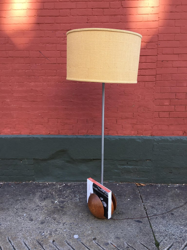 Machine Age American 1930s Lamp/Magazine Rack For Sale 2