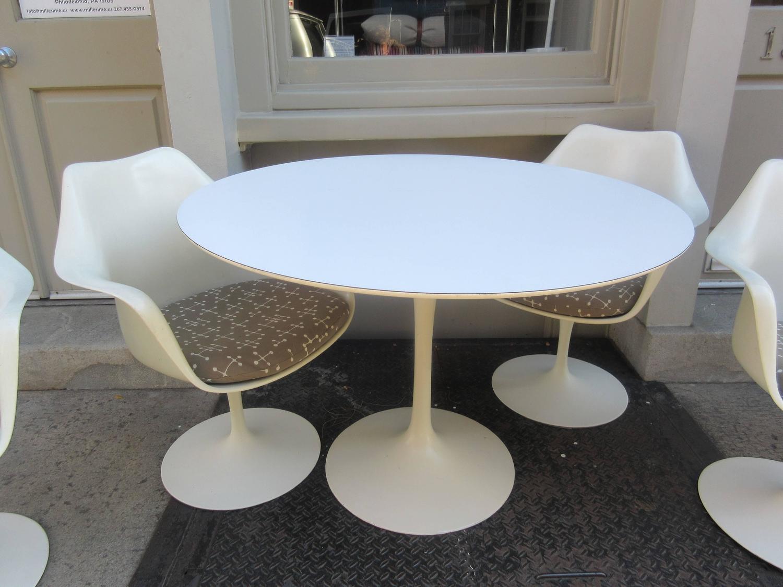 Eero saarinen for knoll associates 42 inch table for sale for Knoll associates