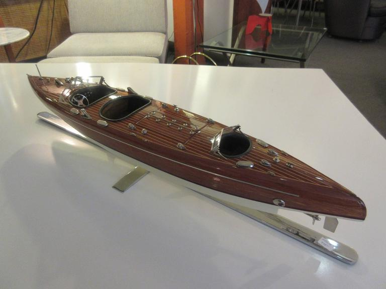 Chris-Craft Scale Model Mahogany Inboard Motor Runabout 4