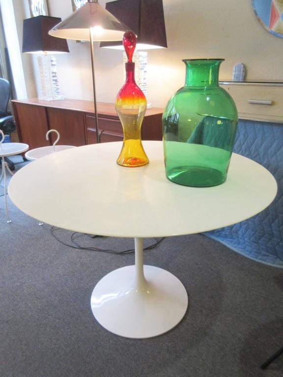 Eero Saarinen marble 42 inch round pedestal dining table. Top is Bianco marble (extra white with very little marbling) and no longer available, just polished (honed) to a sheen. Base has Knoll cast mark and is perfect.