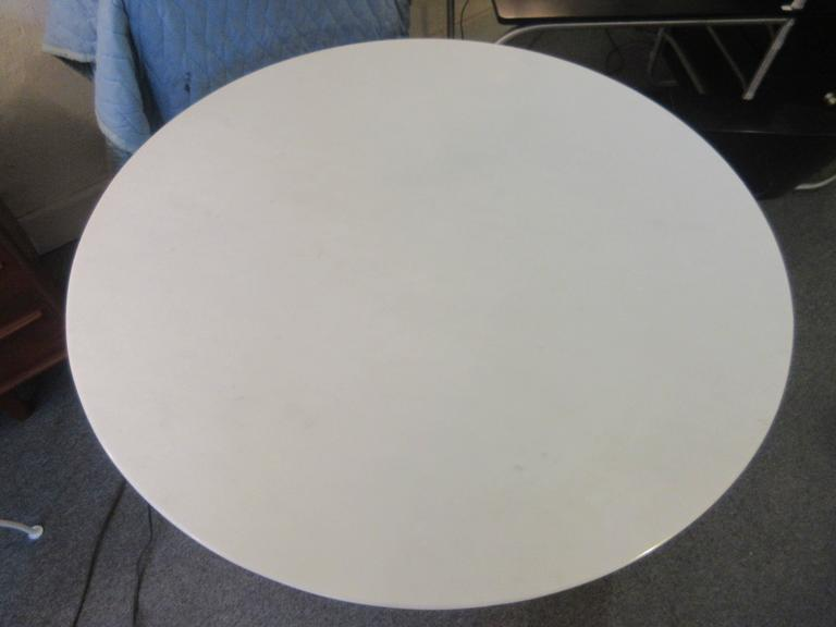 Mid-Century Modern Eero Saarinen Knoll Marble Dining Table For Sale