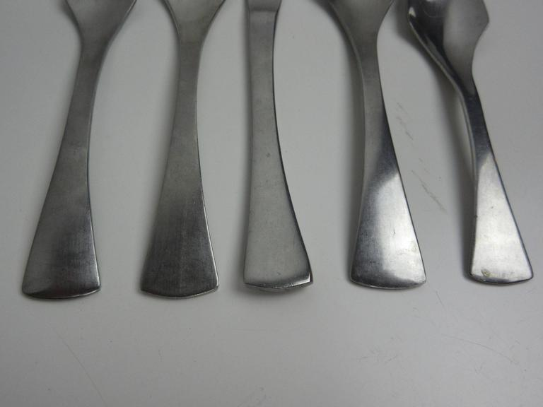 Set of Eight Oxford Hall Venus Flatware Set 3