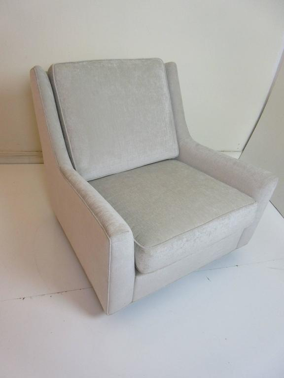 Floating Oversized Milo Baughman Lounge Chair 5