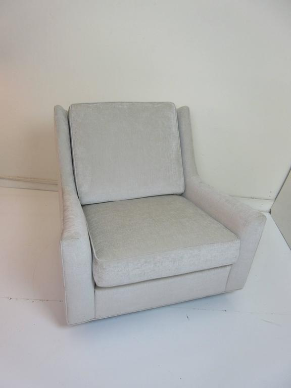 Floating Oversized Milo Baughman Lounge Chair 7