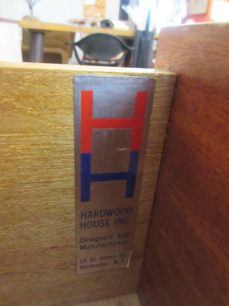 Hardwood House Wall or Room-Divider Shelving System In Excellent Condition For Sale In Philadelphia, PA