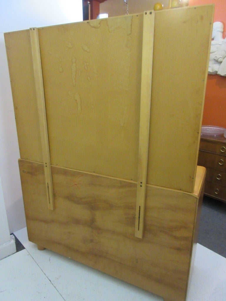American Heywood Wakefield Encore Dresser with Mirror  For Sale