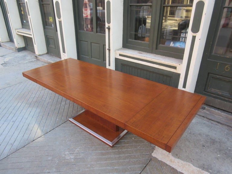 Milo Baughman for Founders Walnut Extension Dining Table For Sale 1
