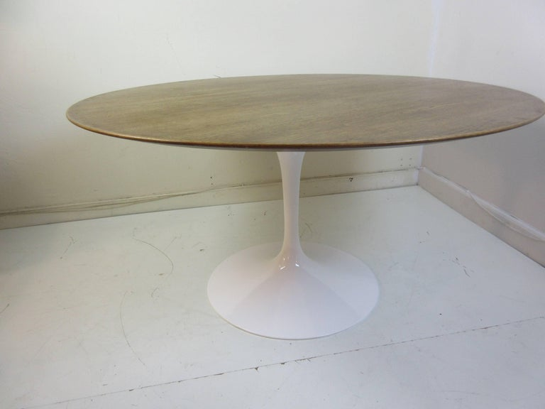 Eero Saarinen Knoll Walnut Pedestal Dining Table 6