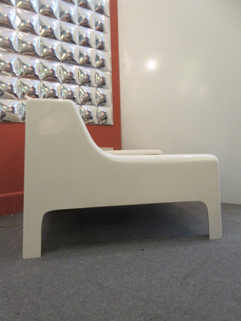 Mid-Century Modern Cappellini 1960s Fiberglass Sofa and Chair For Sale