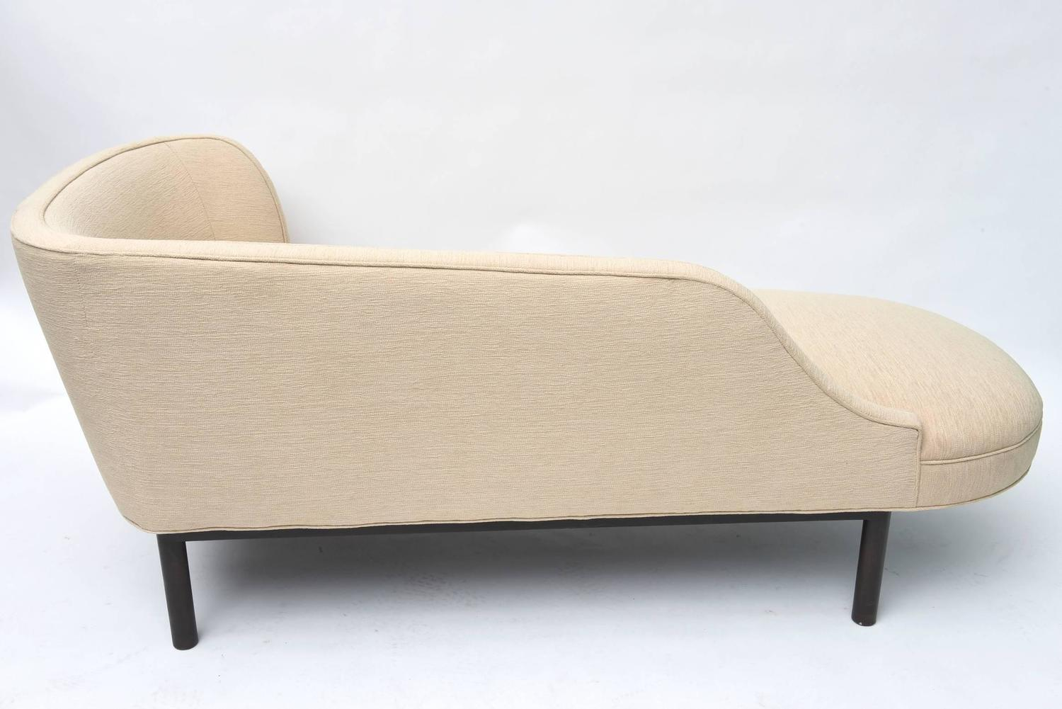 Edward wormley chaise longue at 1stdibs for 1 zitsbank met chaise longue