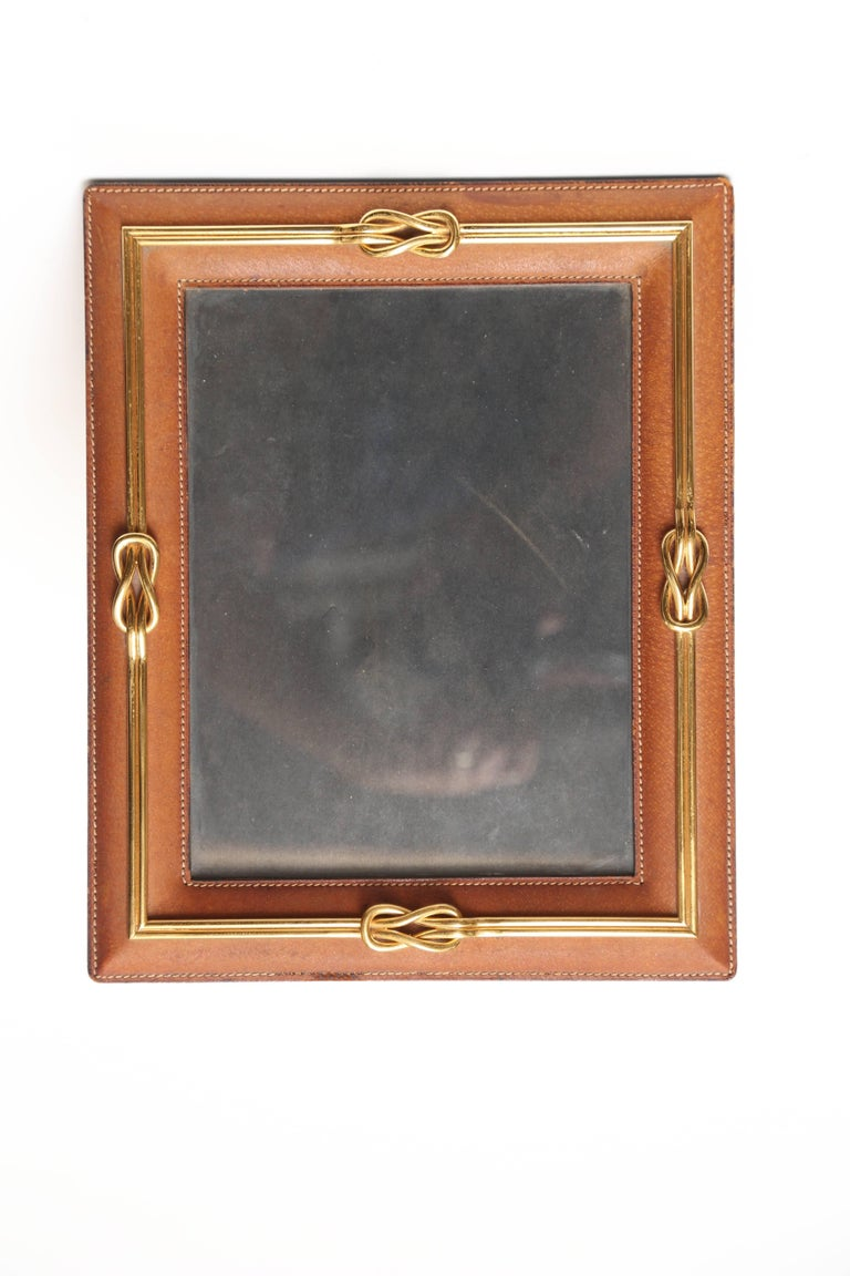 Gucci Leather Frame In Good Condition For Sale In West Palm Beach, FL