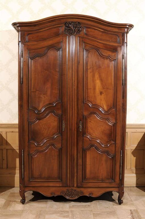 18th century louis xv style armoire at 1stdibs. Black Bedroom Furniture Sets. Home Design Ideas