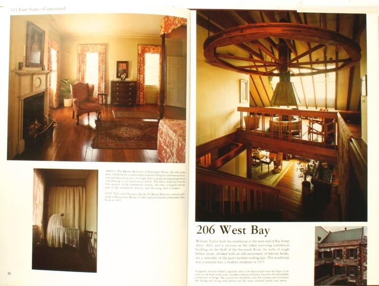 At Home in Savannah, Great Interiors, First Edition In Good Condition For Sale In valatie, NY