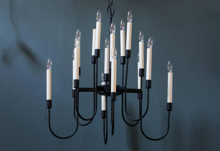 "Mid-Century Modern 16-Arm ""Lightolier"" Chandelier by Tommi Parzinger 2"