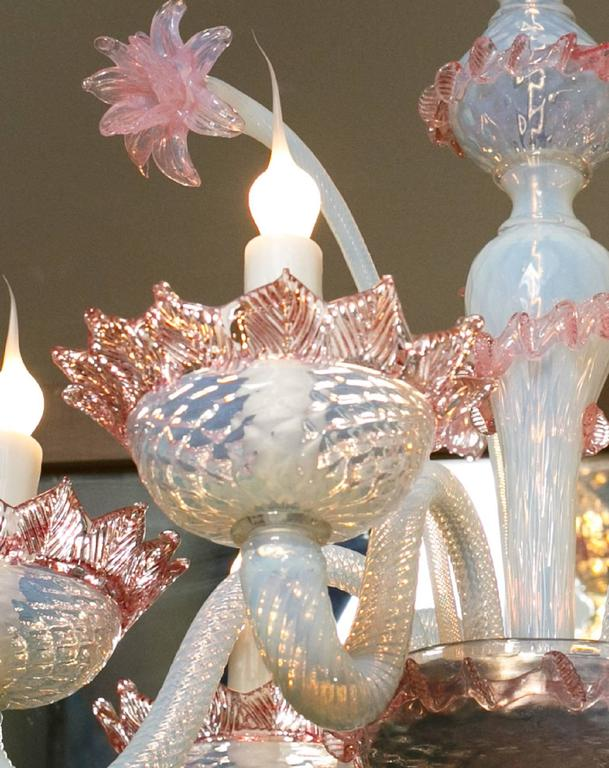 Italian Pink and White Murano Blown Glass Chandelier with Flowers, circa 1940 For Sale