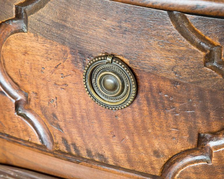 18th Century Five-Drawer Commode with Shapely Front 3