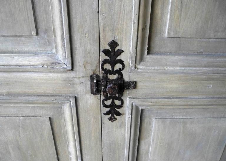 Pair of Antique Italian 18th Century Wooden Doors with Panelling & Iron Hardware For Sale 1