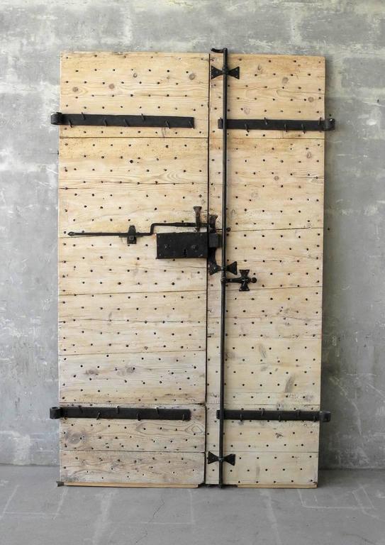 Pair of 18th Century Natural Walnut Doors with Nailheads and Original Hardware 2