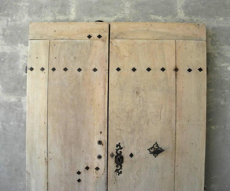 Pair of 18th Century Natural Walnut Doors with Nailheads and Original Hardware 3