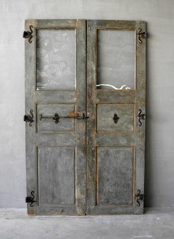 Pair of 18th Century Communication Doors from a Maison de Maitre in Uzes, France 2