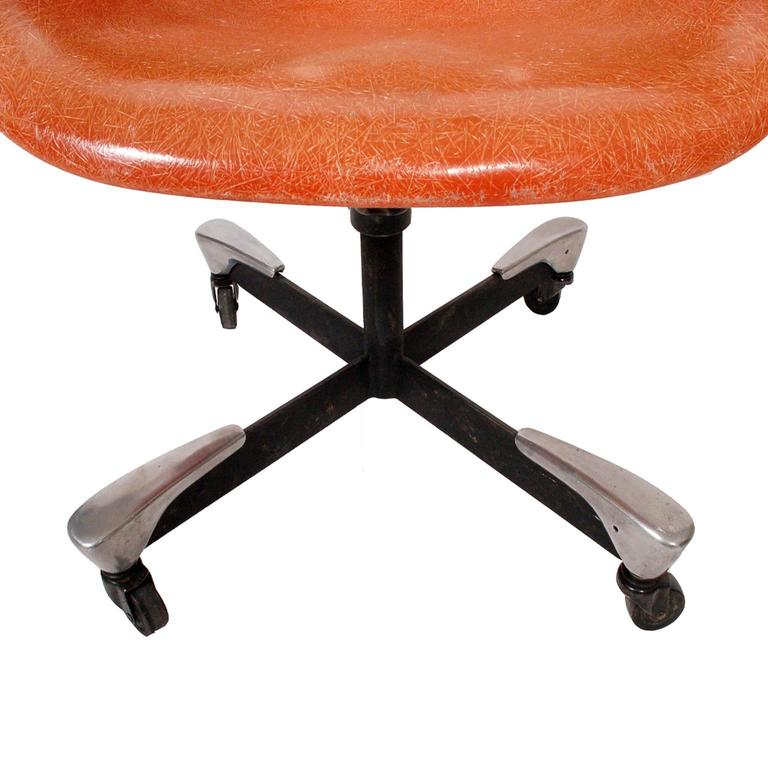 Mid-20th Century Charles Eames DAT Desk Chair for Herman Miller, 1953 For Sale