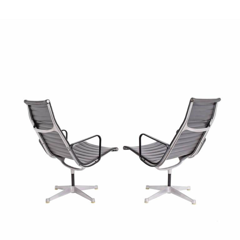 Early Production Aluminum Group Lounge Chairs by Charles Eames 2