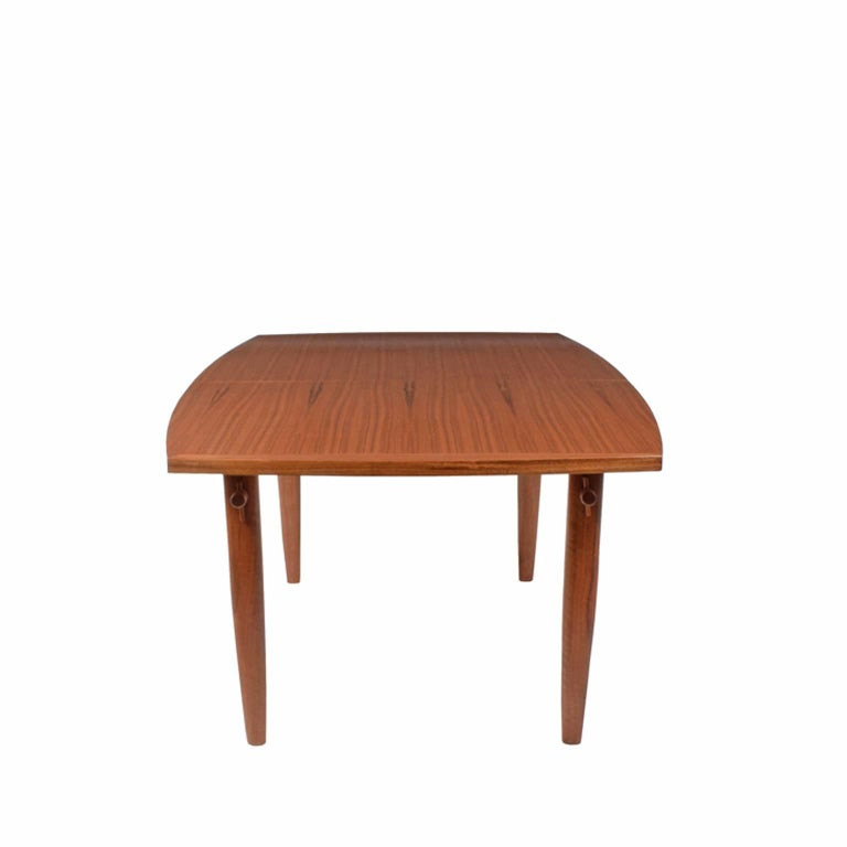 Dining Table # 202-W by George Nakashima for Widdicomb In Good Condition For Sale In Dallas, TX