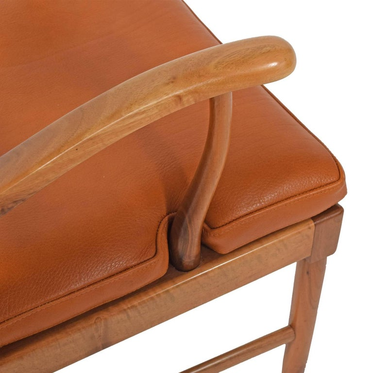Walnut Armchair by Ole Wanscher for Fritz Hansen, 1944 In Good Condition For Sale In Dallas, TX